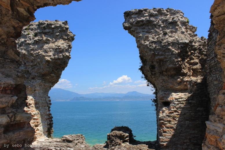 Kebo unterwegs... Italien, Gardasee, Simione, Le Grotte di Catullo, ein Ausflug zu einem der schönsten oberitalienischen See, Italy, Lake Garda, mit Kebo homing, dem Südtiroler Food- und Lifestyleblog, photography.