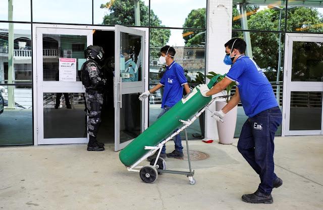 Com hospitais cheios, Manaus enfrenta uma crise no abastecimento de oxigênio — Foto: Bruno Kelly/Reuters