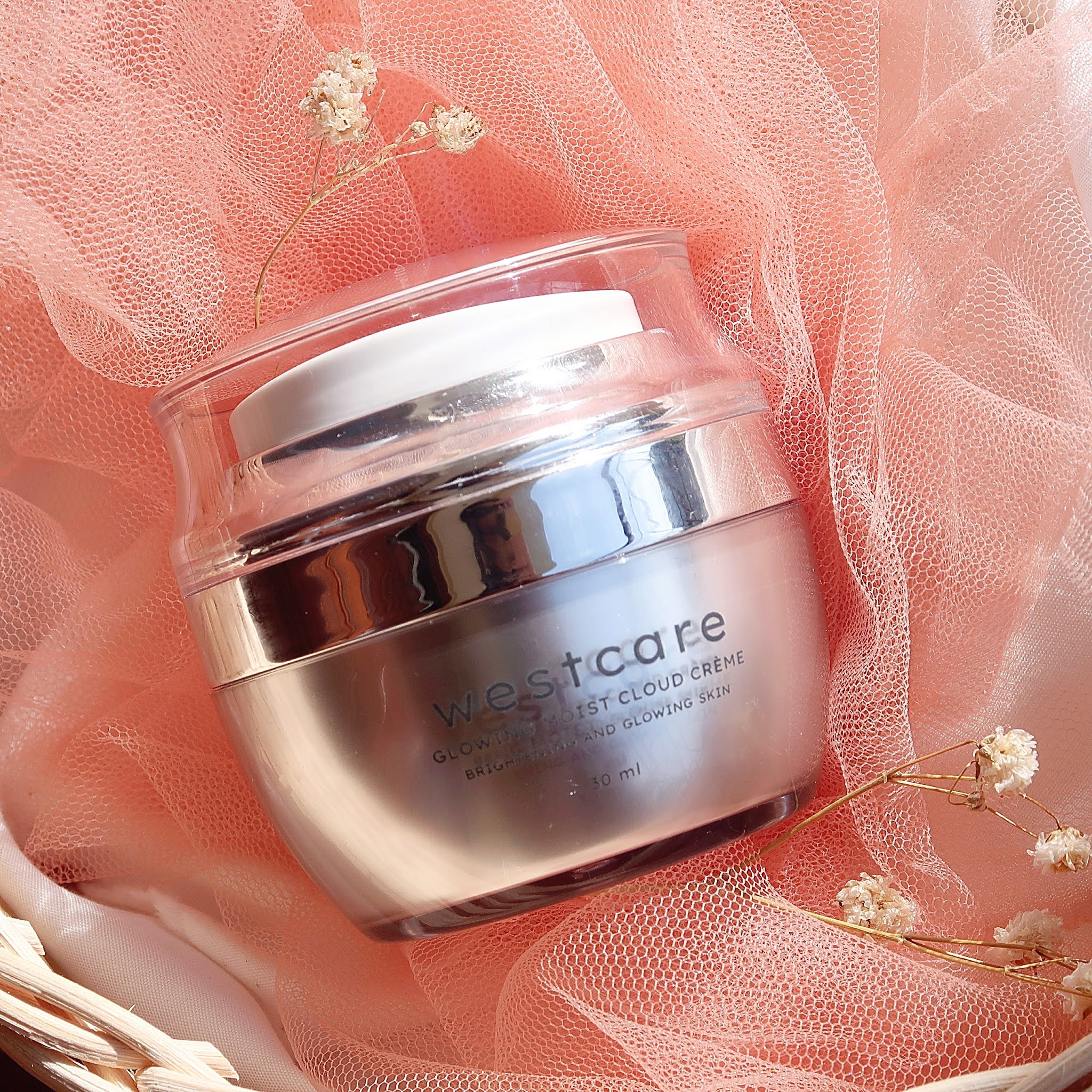 Review Westcare Glowing Moist Cloud Creme