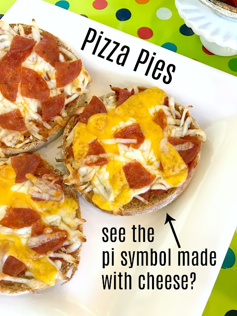 Mini pizza pies for Pi Day @michellepaigeblogs.com