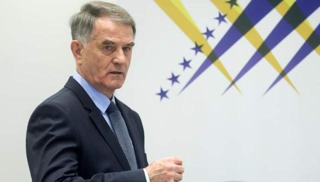 Βοσνία: Ο Μπάγιεβιτς έπιασε από τον λαιμό τον Μισίμοβιτς