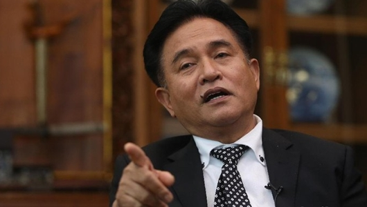 Yusril Yakin MA Tolak Keseluruhan Permohonan Prabowo-Sandi