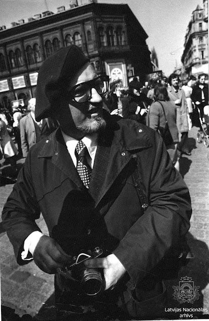 Rīga, 1978. gads. Gleznotājs Uldis Zemzaris. Autors nav zināms. Latvijas Nacionālā arhīva Latvijas Valsts kinofotofonodokumentu arhīvs