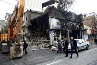 Menanggapi dengan Kekerasan, Negara Syiah Iran Dihantam Kerusuhan Terburuk dalam 40 Tahun