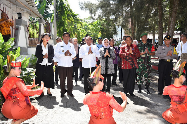 Kunker ke Samosir,Edy Rahmayadi Sebut SDM Harus Miliki Kemampuan Bidang Pariwisata