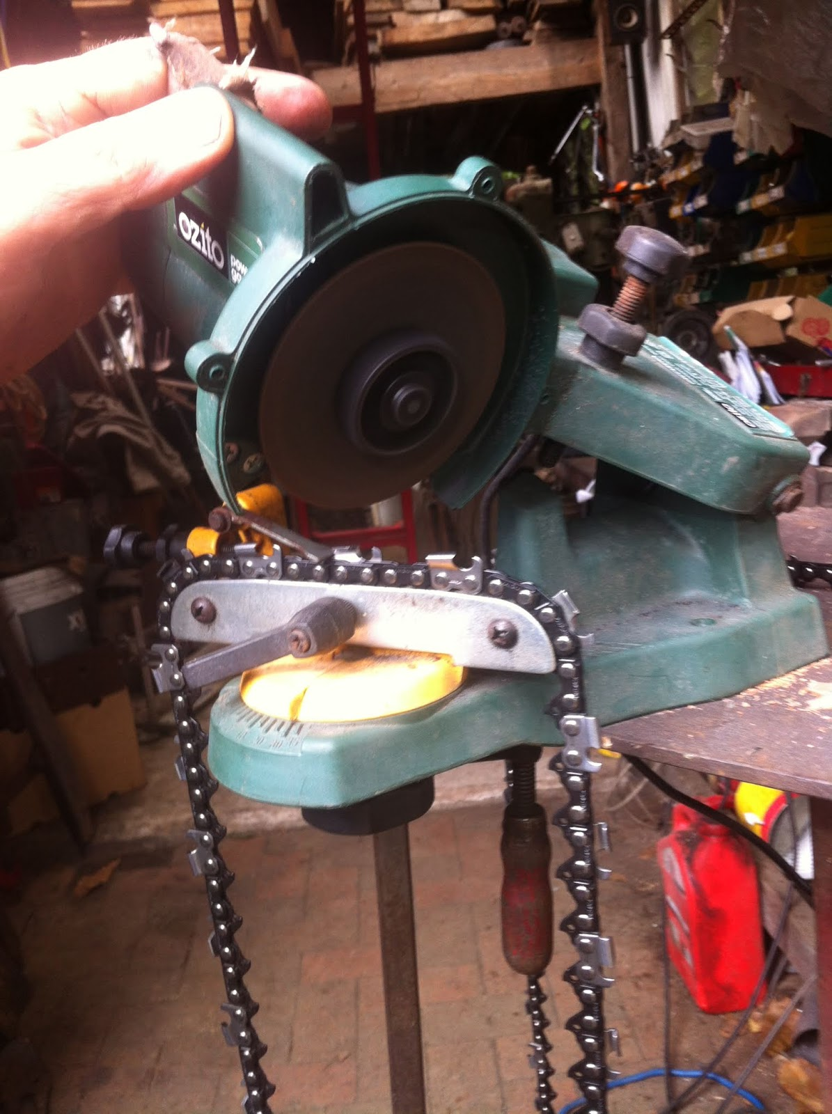 Bruce Teakle's Pages: Huztl chainsaw chain review