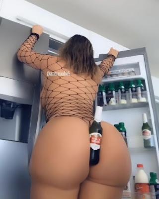 juicy curved endowed booty lady
