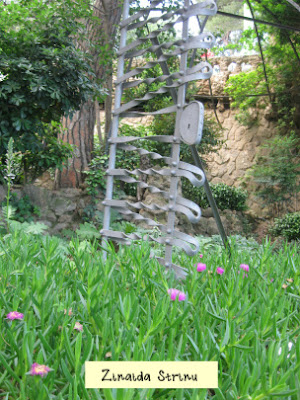 barcelona-parc-guell-casa-muzeu-gaudi-decoratiune-din-curte