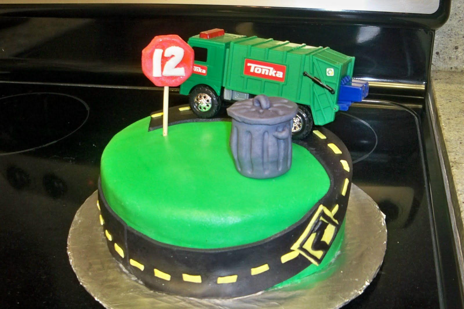 Garbage Truck Cake Road Cars Etc Experimented Again With Homemade Marshmallow Fondant It Wasn T As Terrible Last Time But Was Still