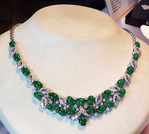 emerald green jade necklace with gold and diamonds