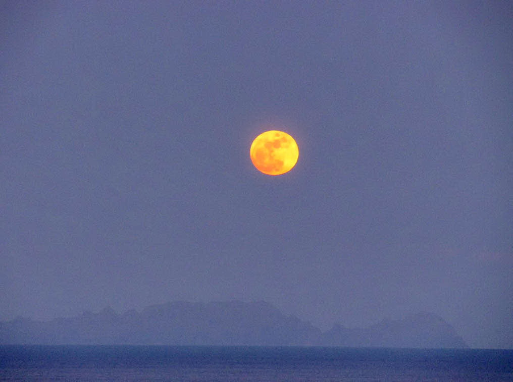 yellow moon and Desertas islands