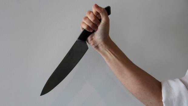 Φρίκη στην Κόρινθο: Μητέρα μαχαίρωσε την 17χρονη κόρη της