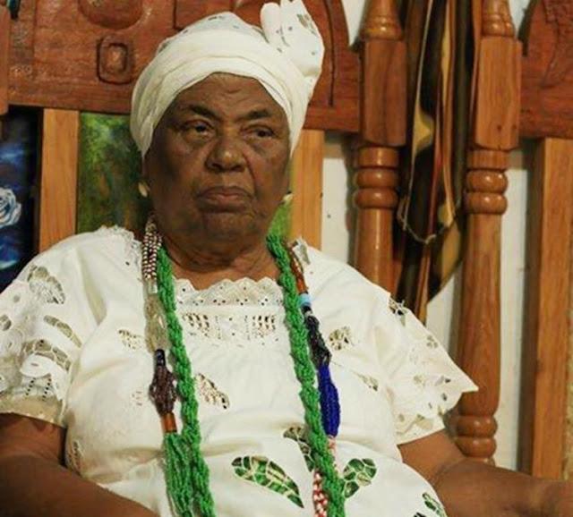 Morre Mãe Aíce, organizadora da Festa para Iemanjá no Rio Vermelho