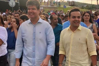 Deputado federal Ruy Carneiro sofre acidente a caminho de procissão