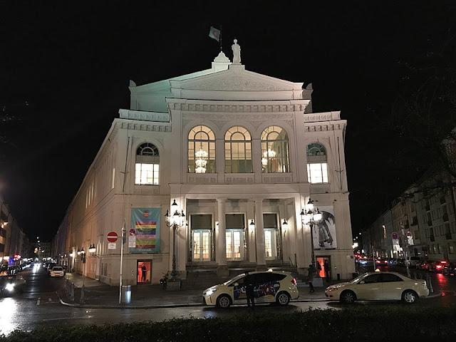 800px-Staatstheater_Ga%25CC%2588rtnerplatz_Munich_11.jpg