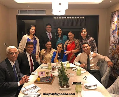 Manushi Chhillar Family Photo