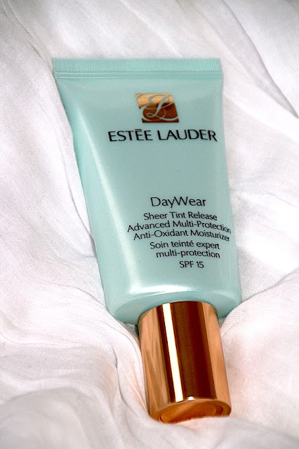 estee lauder soin teinté day wear revue swatch test