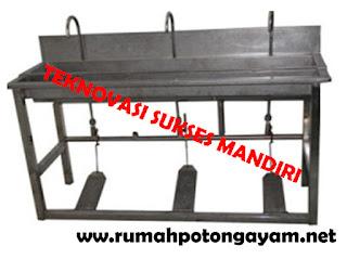 Wastafel bahan stainless steel dengan pedal kaki
