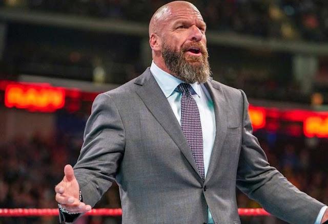 يحب Triple H تغريدة تنتقد أساليب Vince McMahon لتشغيل WWE