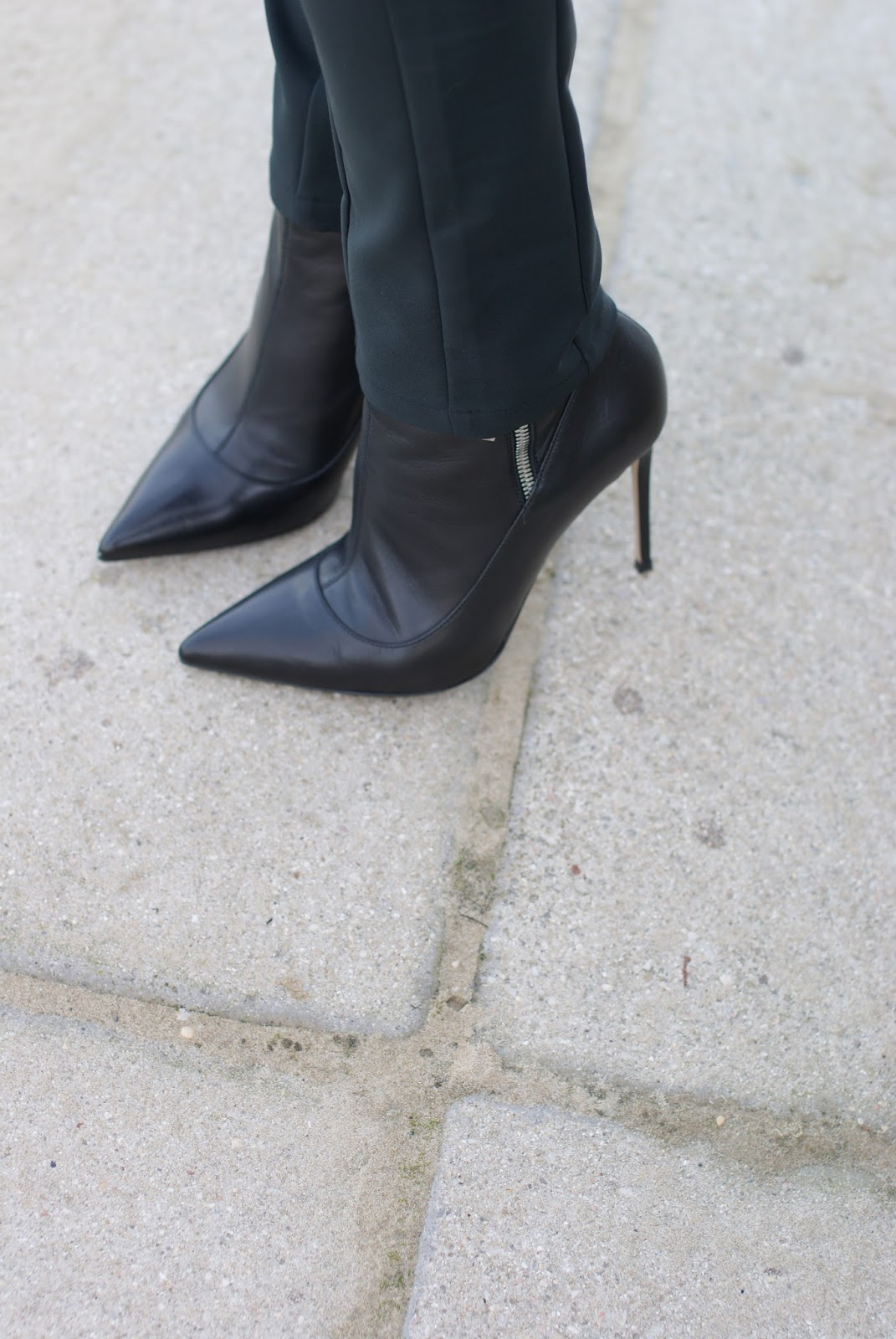 Le Silla ankle boots on Fashion and Cookies fashion blog, fashion blogger style