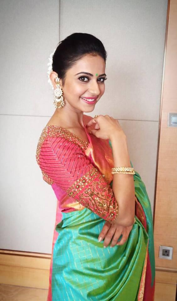 Actress Rakul Preet Singh Stills In Traditional Green Saree