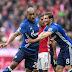 Com gol do brasileiro Naldo, Schalke segura o líder Bayern na Allianz Arena