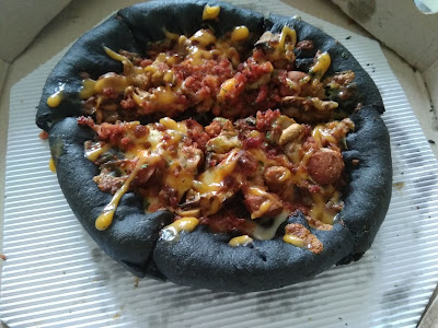 Pizza Hitam, Pizza Unik Dari Pizza Hut