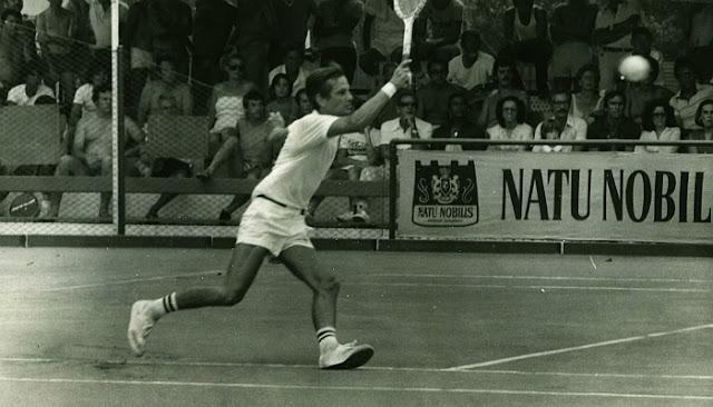 Jorge Paulo Lemann jogando tênis