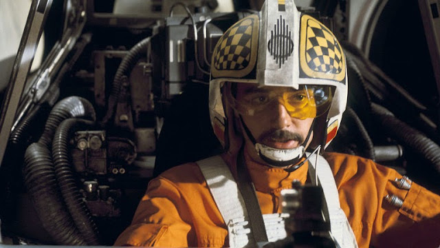 Biggs Darklighter flying his X-Wing in Star Wars