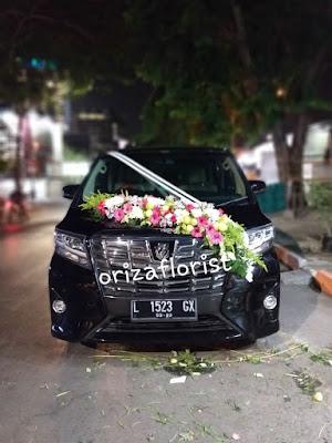 harga bunga hias mobil pengantin di surabaya, jasa hias mobil pengantin di surabaya, jasa dekorasi mobil pengantin surabaya