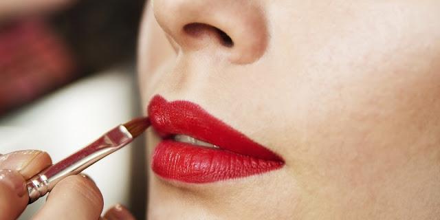 Tips Memakai Lipstik Yang Tahan Lama Saat Makan