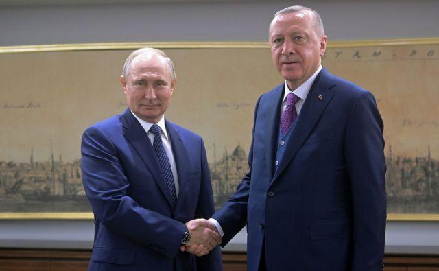 Γιατί ο διχασμός της Λιβύης εξυπηρετεί Πούτιν και Ερντογάν
