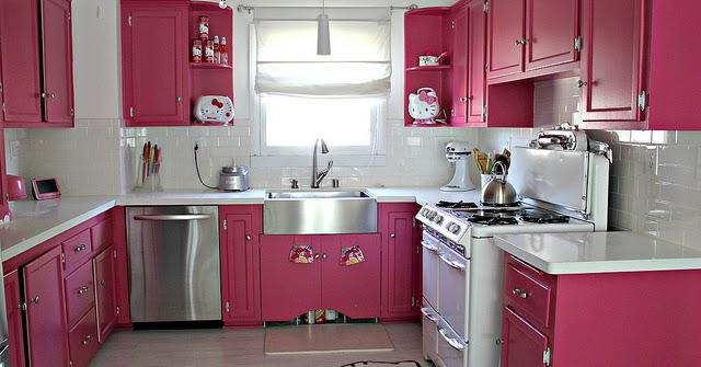 Beberapa Ide Dan 15 Contoh Desain Dapur Warna Pink Yang Cantik Dan