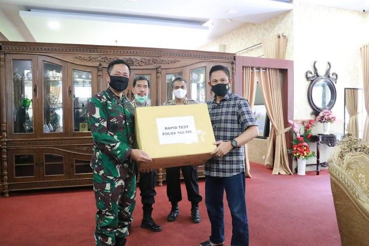 Kapolda Sulsel Terima Bantuan Almatkes Covid-19 Dari Sekjen Kemhan Marsekal Madya TNI Donny Ermawan