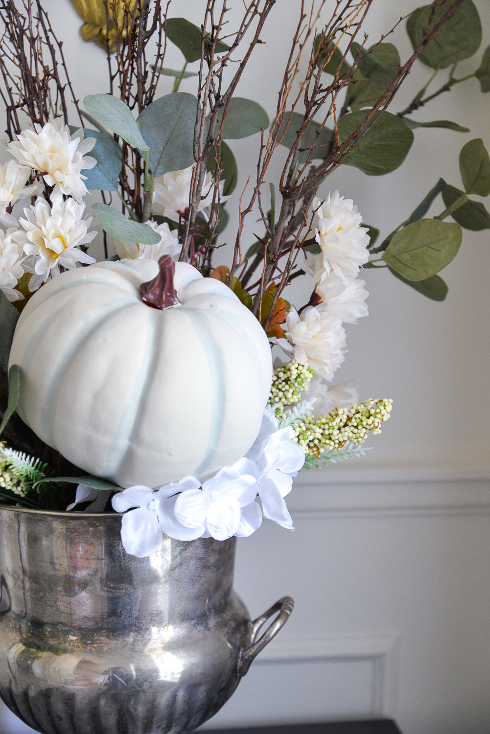 fall flower arrangement, fall flowers and pumpkin, diy fall flower arrangement, how to make a fall flower arrangement