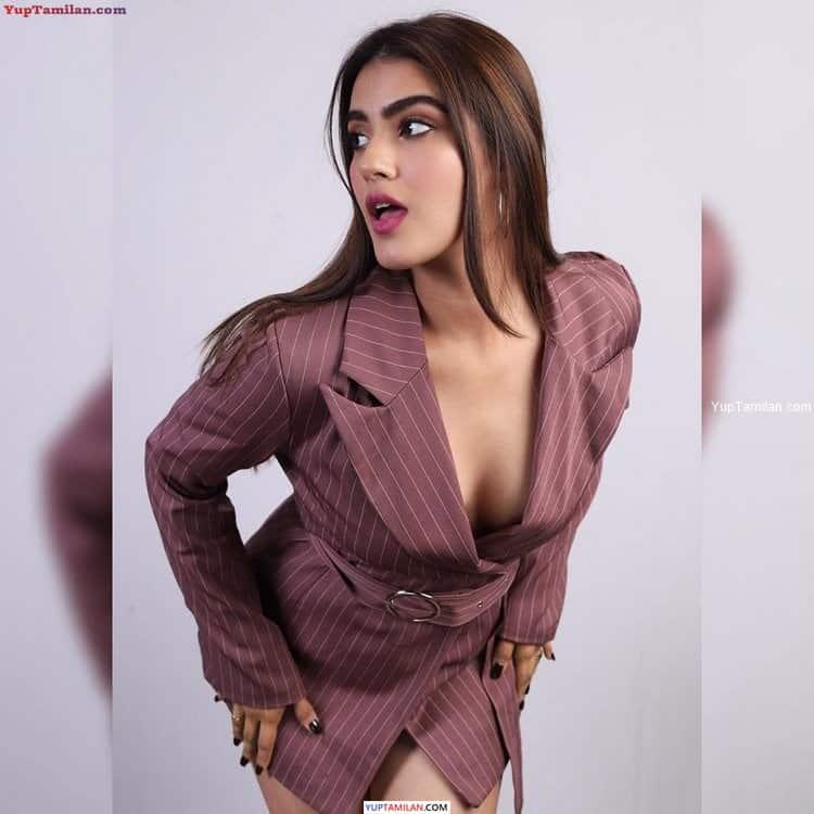 Kavya Thapar Sexy Photos- Deep Cleavage Images