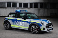 Mini John Cooper Works 3-Door Hatch Polizei (2018) Front Side