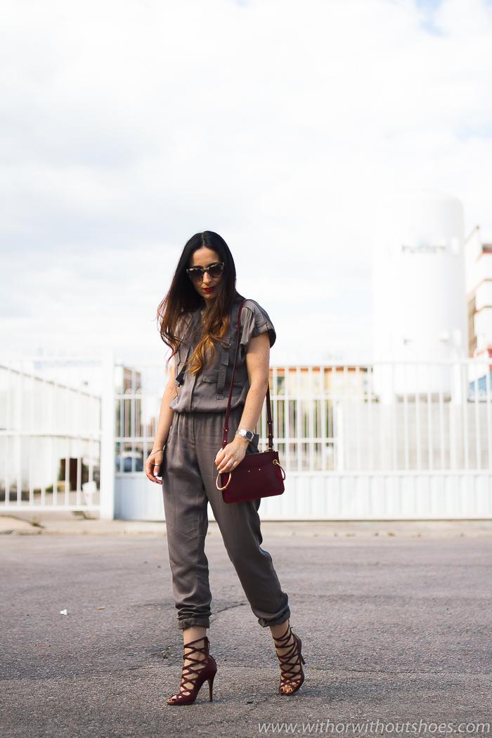 tendencias streetstyle Influencer blogger valencia con look urban chic comodo estiloso primavera verano mono cargo NÜ Denmark