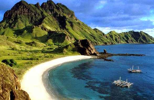 Pantai senggigi - keindahan wisata alam di lombok barat