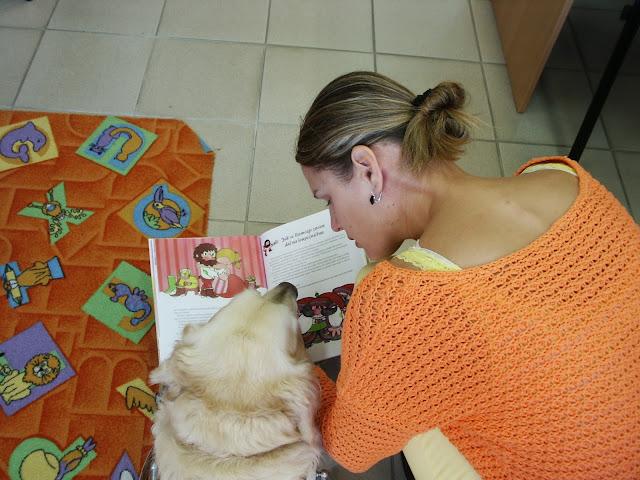 Linda a Cilka si čtou