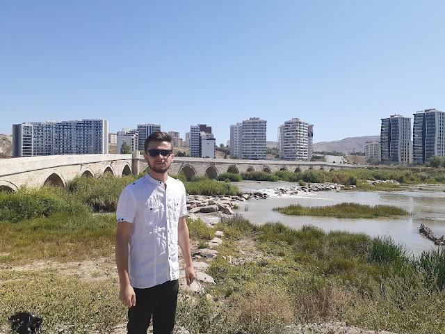 Sivas Tarihi Eğri Köprü - Harun İstenci