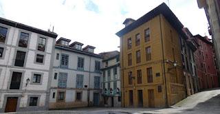 Oviedo, Plaza del Paraguas.