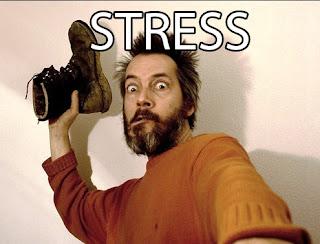 STRESS ORANG LEMPAR SEPATU