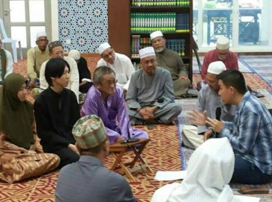 Kisah Keluarga Cina Yang Terpaksa Masuk Islam
