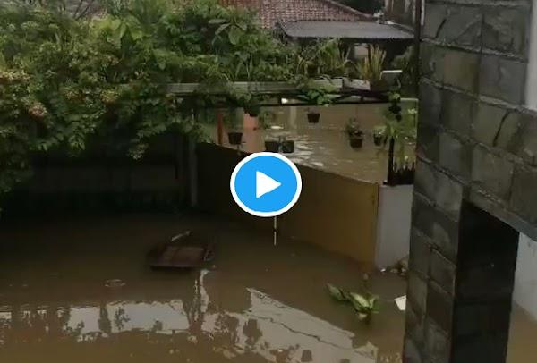 Istri Guntur Romli Marah Rumahnya Kebanjiran, Tuding Anies Tak Bisa Kerja