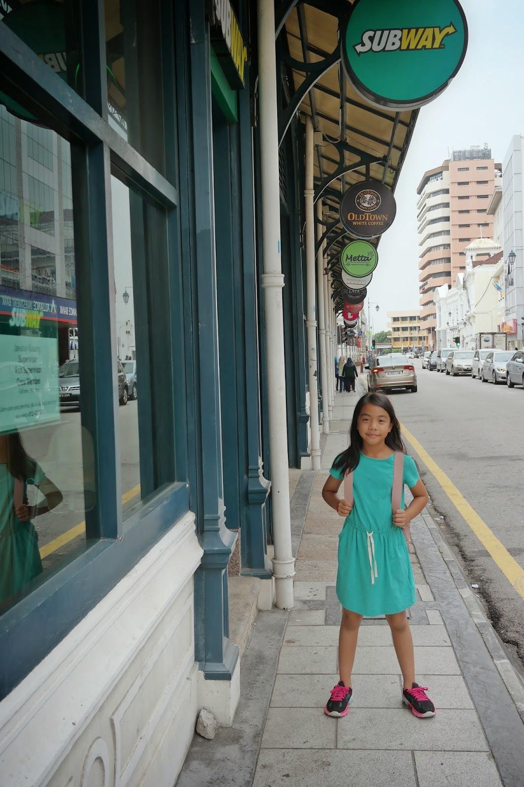Tengok Tu B K Cafe Cafe Dan Restoran Di Sekitar Kawasan Ini Kami Sempat Juga Berjalan Sampai Ke Komtar Dalam Menuju Ke Tempat Jual Cendol Yang Popular