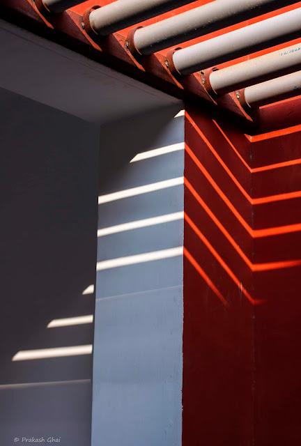 A Colorful Minimal Art Photograph of Zig Zag Lines at Jawahar Kala Kendra, created with by Light and Shadow.