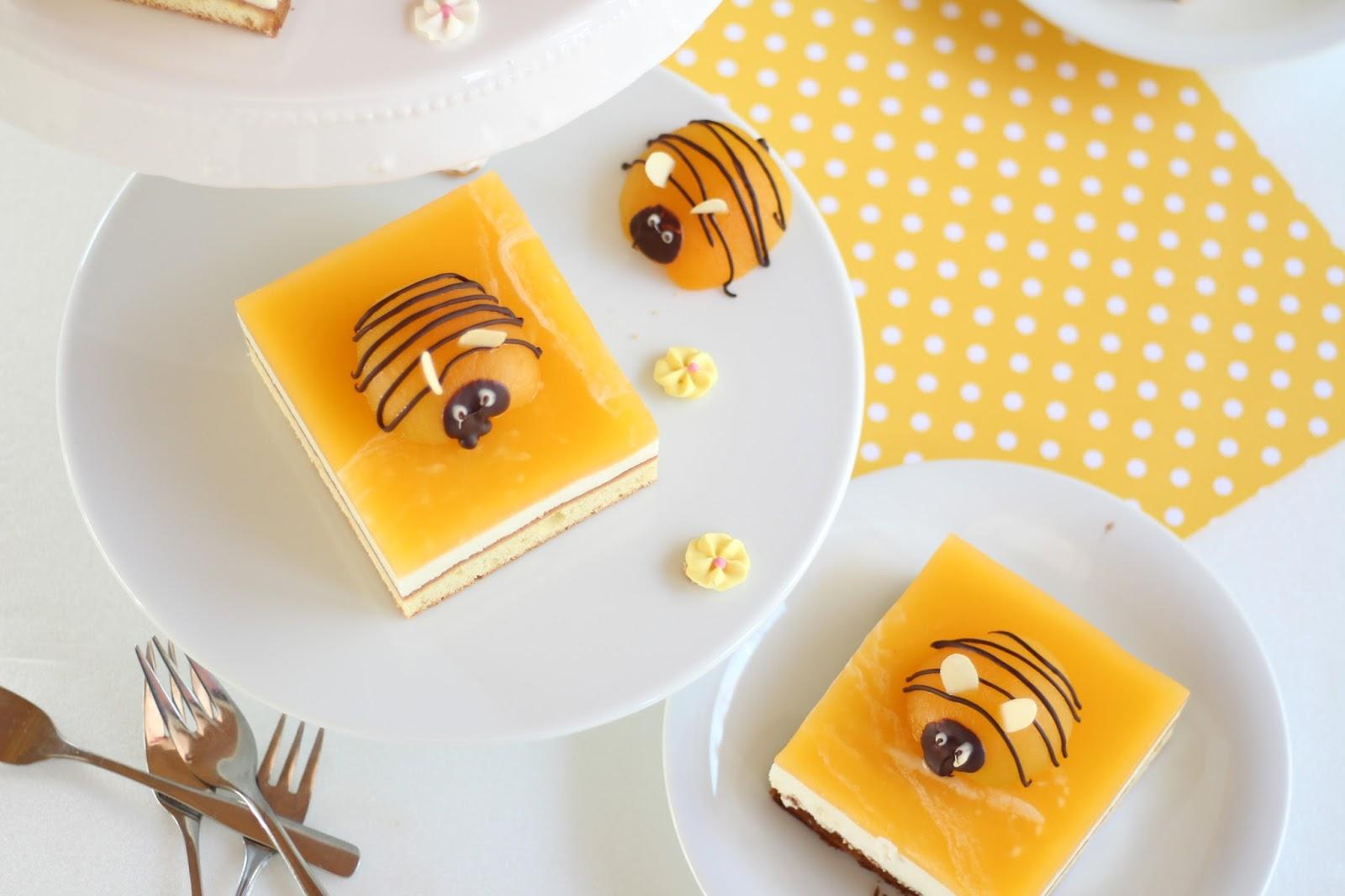 Bienenkuchen - frühlingshafter Kuchen mit Aprikosen und Joghurt-Quark-Creme - mit Video