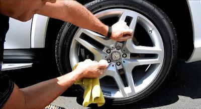 bersihkan bagian bawah mobil