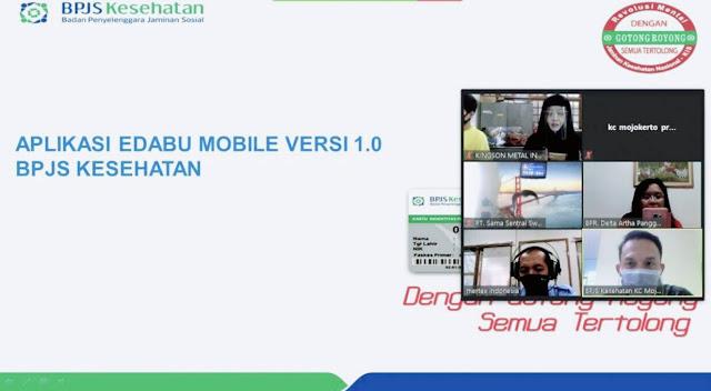 """Mojokerto - Peluncuran E-Dabu Mobile 1.0 oleh BPJS Kesehatan digadang-gadang mampu memudahkan perusahaan mengelola data pegawainya sebagai penerima jaminan kesehatan. E-Dabu Mobile ini merupakan pengembangan termutakhir dari Edabu versi desktop 4.2.Terdapat sejumlah fitur di aplikasi E-Dabu Mobile ini yang dapat diunduh di playstore pada ponsel Android. Beberapa fitur tersebut diantaranya cek peserta, riwayat pembayaran, data mutasi, tren pembayaran, dan ada pula konten terkait kesehatan. Aplikasi ini dapat diakses melalui gawai,sehingga memberikan kemudahan dan manfaat lebih kepada badan usaha dalam melayani pekerja, karena dapat di akses di mana saja.  """"Untuk memperkenalkan aplikasi ini, kami mengadakan sosialisasi terkait E-Dabu Mobile kepada PIC ataupun HRD perusahaan baru ataupun badan usahaexistingyang inginupdateinformasi wilayah Kantor Cabang Mojokerto. Namun, karena banyaknya badan usaha dilakukan secara bertahap dan dilakukan secara daring,"""" tutur Relationship OfficerBPJS Kesehatan Cabang Mojokerto Meilinda Meriana Manafe.  Meilinda menjelaskan bahwa sistem sosialisasi daring ini memang baru dilakikan pada masa pandemi Covid-19. Sebelumnya BPJS Kesehatan mengundang badan usaha untuk sosialisasi ke kantor. Meilinda berharap sosialisasi secara daring ini selain dapatmenjadi bagian dari pemutusan mata rantai penularan Covid-19.  """"Yang penting informasinya sampai dan jelas,"""" pungkasnya.  Wiwin, salah satu PIC badan usaha dari PT Maju Bersama mengatakan bahwa, selama ini aplikasi E-Dabu sudah memberikan banyak manfaat karena memudahkan badan usaha dalam memberikan layanan kepada pekerja apalagi sekarang ada layanan E-Dabu Mobile. Melakukan pengecekan status peserta, mutasi, tagihan dan riwayat pembayaran menjadi lebih mudah dan di akses bisa dengan ponsel saja.  """"Sangat bersyukur sekali bisa mengikuti kegiatan yang sangat bermanfaat ini. Salah satu fitur yang saya apresiasi adalah fitur cek peserta, karena fitur ini dapat meyakinkan kami dalam hal penonaktifkan"""